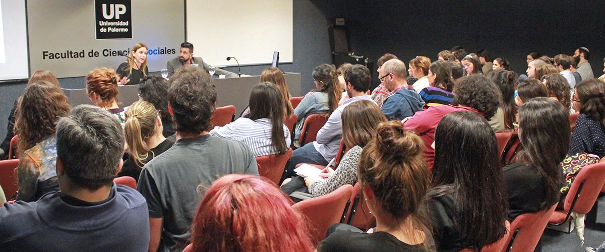 """Se realizó la charla """"De Infancias y Adolescencias"""" en la Universidad de Palermo"""